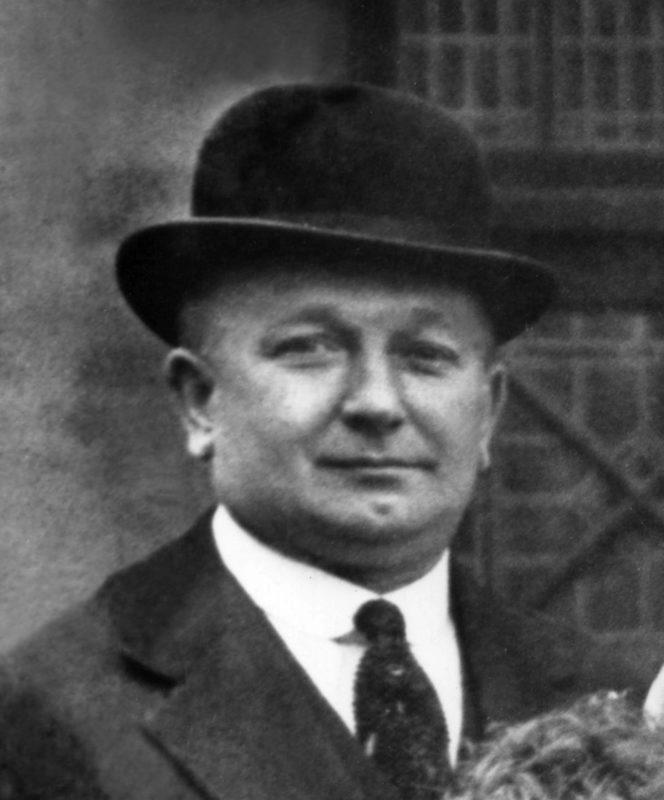 HERBERT CHAPMAN - Huddersfield coach. 1925 /26 - - Fussball Herren sw vneg mk o0 1925 hoch