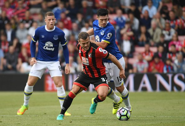 Wilshere was constantly hounded in a midfield battle by the ever-present Gareth Barry (right), but didn't disappoint with a solid overall performance. | Photo: Mike Hewitt / Getty Images