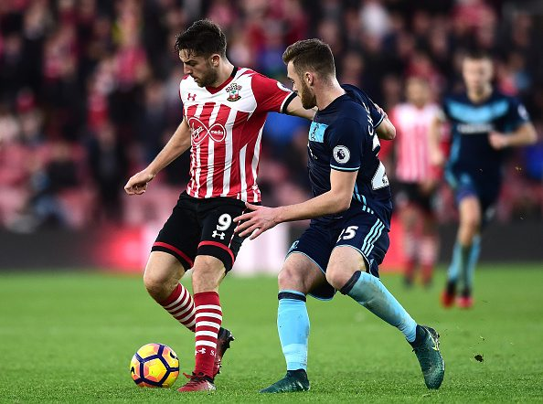 SOUTHAMPTON, ENGLAND - DECEMBER 11: Jay Rodriguez of Southampton and Calum Chambers of Middlesbrough battle for possession during the Premier League match between Southampton and Middlesbrough at St Mary's Stadium on December 11, 2016 in Southampton, England. (Photo by Alex Broadway/Getty Images)
