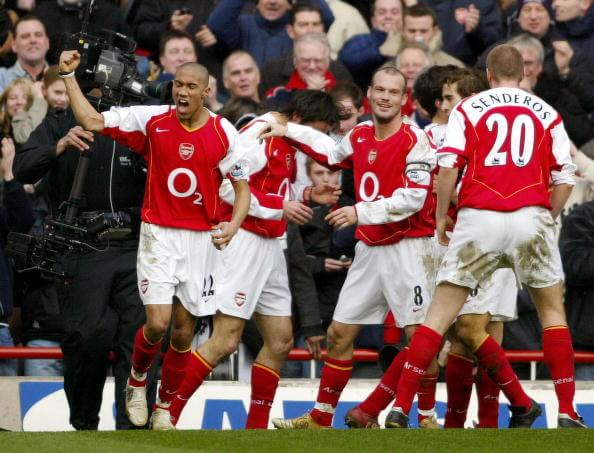 LONDON, UNITED KINGDOM: Arsenal's Fredrik Ljungberg (C) celebrates with his team mates after Robert Pires scored a goal, during their Premiership, F.A cup against Sheffield United at Arsenals Highbury grounds, 19 February 2005. The match ended in a 1-1 draw. AFP PHOTO/CARL DE SOUZA No telcos, website uses subject to subscription of a license with FAPL on www.faplweb.com (Photo credit should read CARL DE SOUZA/AFP/Getty Images)