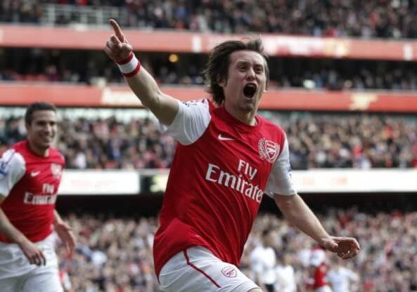 Tomas Rosicky scores against Tottenham
