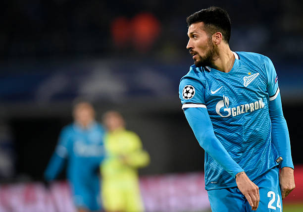 Zenit's Argentinian defender Ezequiel Garay looks over during the UEFA Champions' League, Group H, football match KAA Gent vs FC Zenit on December 9, 2015 at the KAA Gent Stadium in Gent. /AFP/JOHN THYS