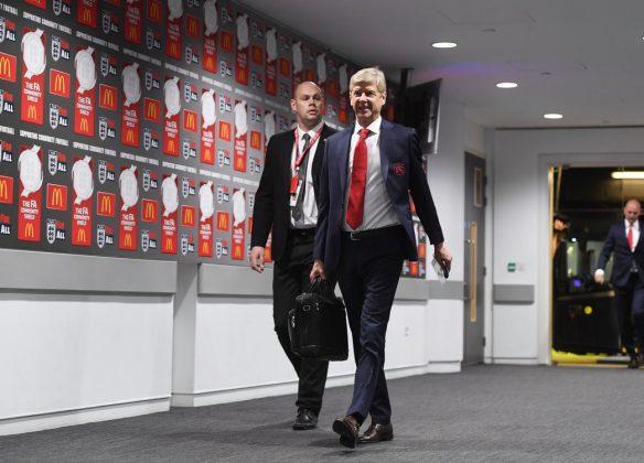 Arsene Wenger New Suit 3