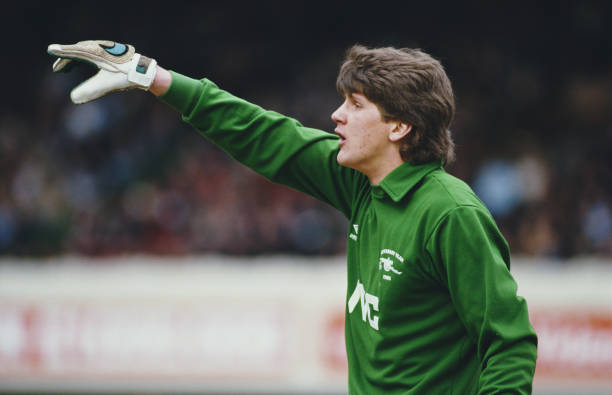 LONDON, UNITED KINGDOM - APRIL 12: Arsenal goalkeeper John Lukic in action during a First Division match against Everton at Highbury on April 12, 1986 in London, England. (Photo by Mike King/Allsport/Getty Images)