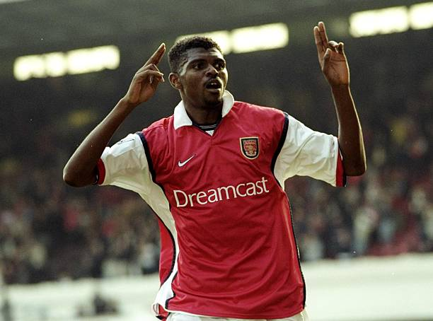 16 Oct 1999: Nwankwo Kanu scores Arsenal's 4th goal during the FA Carling Premiership match against Everton at Highbury in London, England. Arsenal won the match 4 - 0. Credit: Tony O''Brien /Allsport