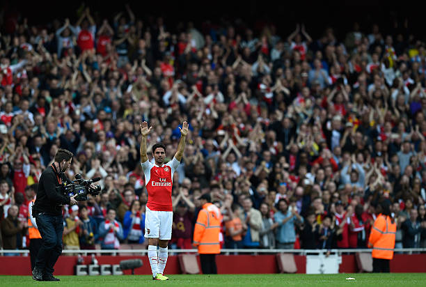 LONDON, UNITED KINGDOM - MAY 15: Mikel Arteta of Arsenal waves as supporters applaud after the Barclays Premier League match between Arsenal and Aston Villa at Emirates Stadium on May 15, 2016 in London, England. (Photo by Mike Hewitt/Getty Images)