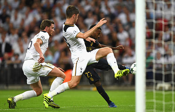 LONDON, ENGLAND - SEPTEMBER 14: Thomas Lemar of AS Monaco scores their second goal during the UEFA Champions League match between Tottenham Hotspur FC and AS Monaco FC at Wembley Stadium on September 14, 2016 in London, England. (Photo by Shaun Botterill/Getty Images)