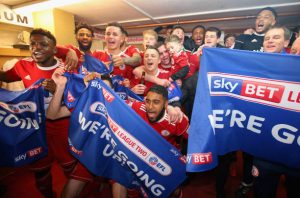 ACCRINGTON, ENGLAND - APRIL 17: The players of Accrington Stanley celebrate gaining promotion after the Sky Bet League Two match between Accrington Stanley and Yeovil Town at The Crown Ground on April 17, 2018 in Accrington, England. (Photo by Alex Livesey/Getty Images)