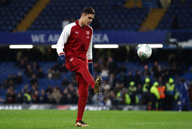 LONDON, ENGLAND - JANUARY 10: Konstantinos Mavropanos of Arsenal warms up prior to the Carabao Cup Semi-Final First Leg match between Chelsea and Arsenal at Stamford Bridge on January 10, 2018 in London, England. (Photo by Catherine Ivill/Getty Images)