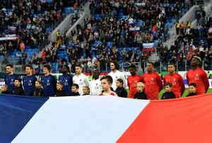 France's players line up prior to an international friendly football match between Russia and France at the Saint Petersburg Stadium in Saint Petersburg on March 27, 2018. / AFP PHOTO / FRANCK FIFE