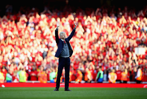 LONDON, ENGLAND - MAY 06: Arsenal manager Arsene Wenger says goodbye to the Arsenal fans after 22 years at the helm at the end of the Premier League match between Arsenal and Burnley at Emirates Stadium on May 6, 2018 in London, England. (Photo by Clive Mason/Getty Images)