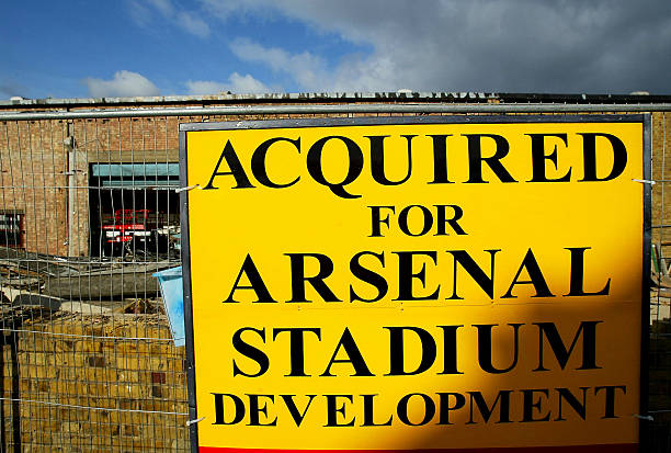 LONDON - FEBRUARY 23: A view of the site for Arsenal football club's new Stadium at Ashburton Grove on February 23, 2004 in London. The club have secured the 357 million pounds stirling required to fund the project. (Photo by Paul Gilham/Getty Images)