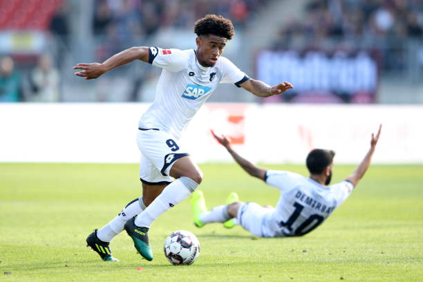 NUREMBERG, GERMANY - OCTOBER 20: Reiss Nelson of 1899 Hoffenheim runs with the ball during the Bundesliga match between 1. FC Nuernberg and TSG 1899 Hoffenheim at Max-Morlock-Stadion on October 20, 2018 in Nuremberg, Germany. (Photo by Adam Pretty/Bongarts/Getty Images)
