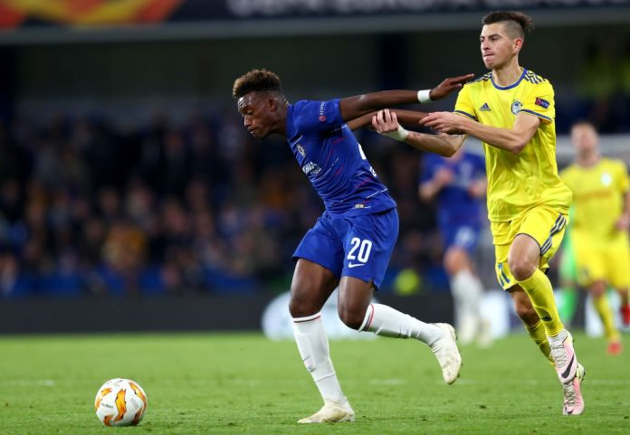 LONDON, ENGLAND - OCTOBER 25: Callum Hudson-Odoi of Chelsea holds off Aleksei Rios of FC BATE during the UEFA Europa League Group L match between Chelsea and FC BATE Borisov at Stamford Bridge on October 25, 2018 in London, United Kingdom. (Photo by Clive Rose/Getty Images)