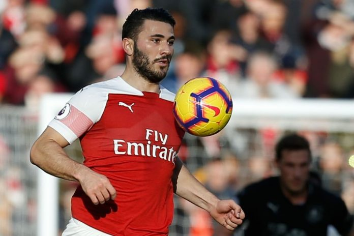 Arsenal's German-born Bosnian defender Sead Kolasinac controls the ball during the English Premier League football match between Arsenal and Burnley at the Emirates Stadium in London on December 22, 2018. (Photo by Ian KINGTON / AFP / Getty Images)