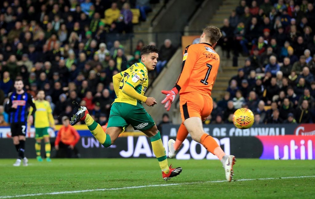 NORWICH, ENGLAND - DECEMBER 01: Max Aarons of Norwich City scores a goal during the Sky Bet Championship match between Norwich City and Rotherham United at Carrow Road on December 01, 2018 in Norwich, England. (Photo by Stephen Pond/Getty Images)