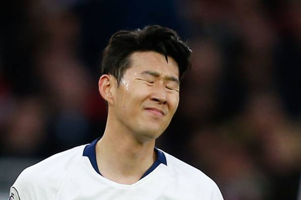 Tottenham Hotspur's South Korean striker Son Heung-Min reacts during the English Premier League football match between Arsenal and Tottenham Hotspur at the Emirates Stadium in London on December 2, 2018. (Photo by Ian KINGTON / IKIMAGES / AFP)