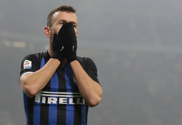 MILAN, ITALY - DECEMBER 26: Ivan Perisic of FC Internazionale reacts after misses a chance of goal during the Serie A match between FC Internazionale and SSC Napoli at Stadio Giuseppe Meazza on December 26, 2018 in Milan, Italy. (Photo by Emilio Andreoli/Getty Images)