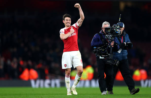 LONDON, ENGLAND - JANUARY 19: Laurent Koscielny of Arsenal celebrates his team's victory after the Premier League match between Arsenal FC and Chelsea FC at Emirates Stadium on January 19, 2019 in London, United Kingdom. (Photo by Clive Rose/Getty Images)