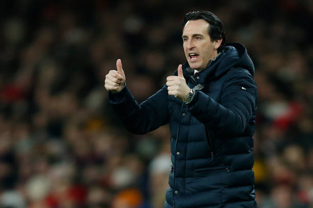 Arsenal's Spanish head coach Unai Emery gestures on the touchline during the English Premier League football match between Arsenal and Cheslea at the Emirates Stadium in London on January 19, 2019. (Photo by Ian KINGTON / IKIMAGES / AFP)