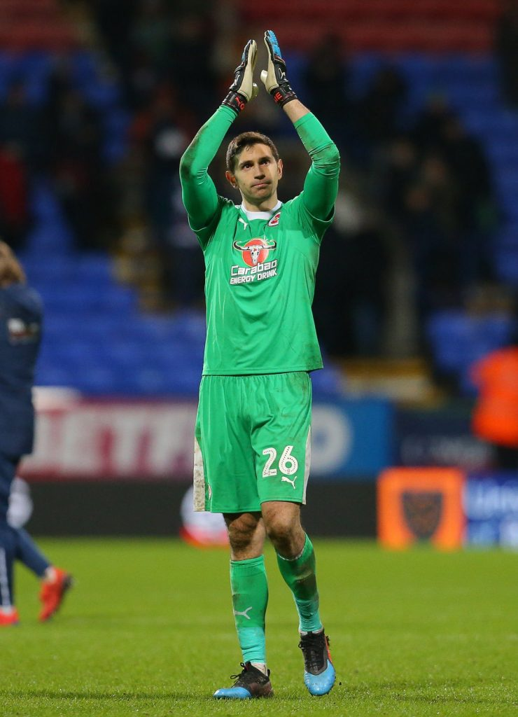 Emi Martinez thanks Reading fans after debut against Bolton Wanderers (Photo via Twitter / EmiMartinezz1)