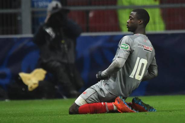 Lille's Ivorian forward Nicolas Pepe celebrates after scoring a goal during the French Cup round of 16 football match between Rennes and Lille on February 6, 2019 at the Roazhon Park in Rennes, northwestern France. (Photo by JEAN-FRANCOIS MONIER / AFP)