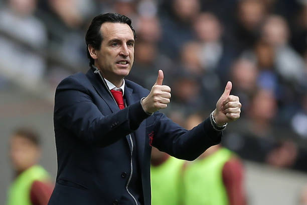 Arsenal's Spanish head coach Unai Emery gestures on the touchline during the English Premier League football match between Tottenham Hotspur and Arsenal at Wembley Stadium in London, on March 2, 2019. (Photo by Daniel LEAL-OLIVAS / AFP)