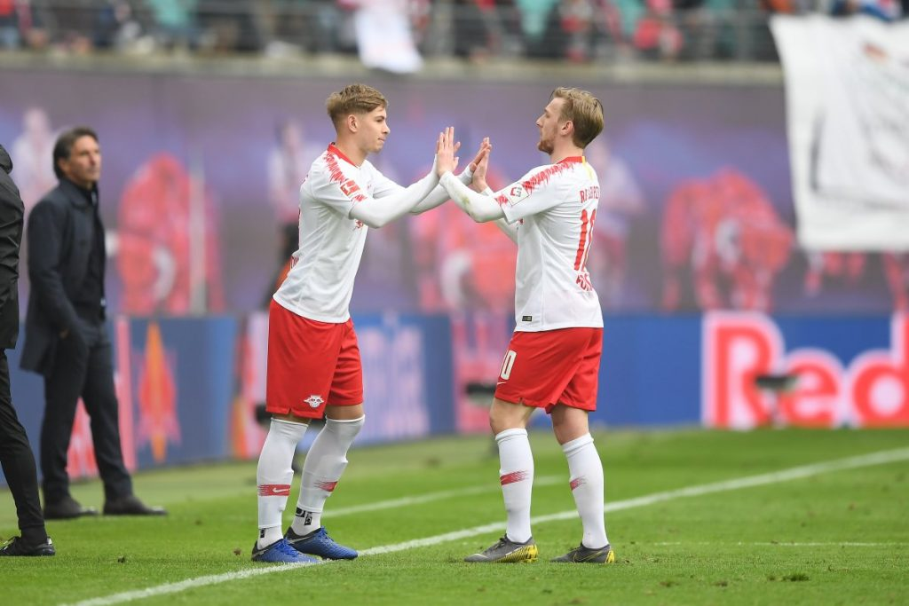 Emile Smith Rowe coming on for his debut for loan club RB Leipzig (Photo via Twitter / @RBLeipzig_EN)