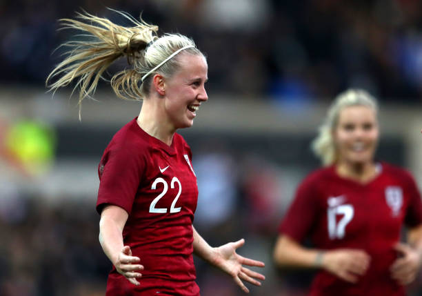 SWINDON, ENGLAND - APRIL 09: Beth Mead of England celebrates her sides first goal during the International Friendly between England Women and Spain Women at County Ground on April 09, 2019 in Swindon, England. (Photo by Michael Steele/Getty Images)