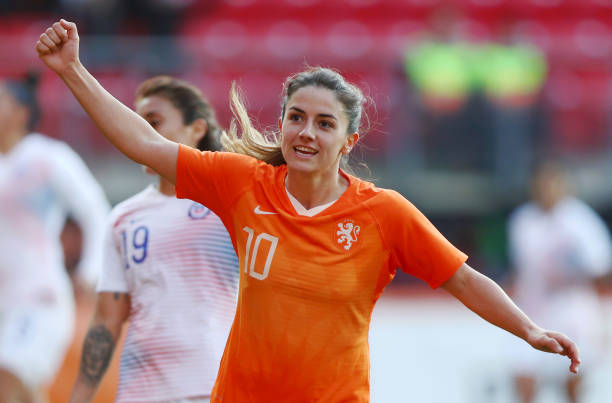 ALKMAAR, NETHERLANDS - APRIL 09: Danielle van de Donk of the Netherlands (10) celebrates after scoring her team's fourth goal during the International Friendly between Netherlands Women and Chile Women at AFAS-Stadium on April 09, 2019 in Alkmaar, Netherlands. (Photo by Dean Mouhtaropoulos/Getty Images)