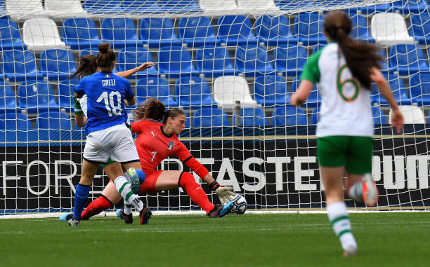 REGGIO NELL'EMILIA, ITALY - APRIL 09: Katie Mccabe of Ireland Women scores the opening goa lduring the International Friendly match between Italy Women and Ireland Women at Mapei Stadium - Città del Tricolore on April 9, 2019 in Reggio nell'Emilia, Italy  (Photo by Alessandro Sabattini/Getty Images)