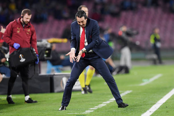 NAPLES, ITALY - APRIL 18:  Unai Emery coach of Arsenal gestures during the UEFA Europa League Quarter Final Second Leg match between S.S.C. Napoli and Arsenal at  Stadio San Paolo on April 18, 2019 in Naples, Italy.  (Photo by Francesco Pecoraro/Getty Images)