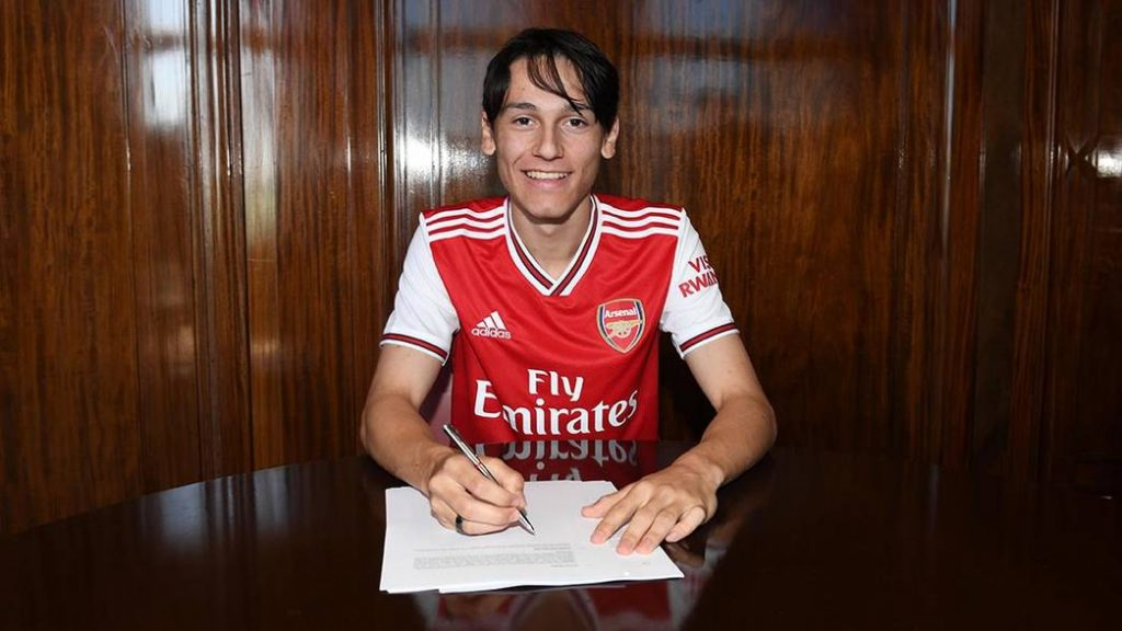 Joel Lopez signs a new contract for Arsenal. Highbury House. Emirates Stadium, 27/6/19. Credit : Arsenal Football Club / David Price.