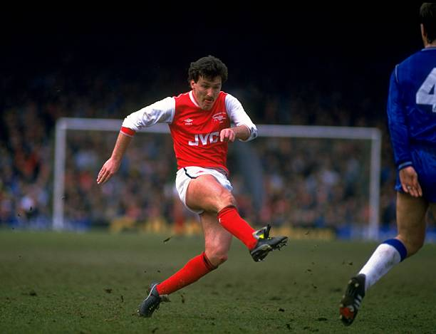 1 Apr 1986: Ian Allinson of Arsenal in action during the Canon League Division One match against Everton played at Highbury in London, England. Everton won the match 1-0. Credit: Allsport UK /Allsport