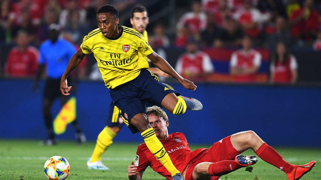 Joe Willock playing against Bayern Munich in pre-season (Photo via Arsenal.com)