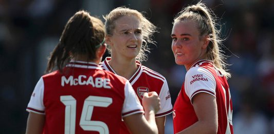BOREHAMWOOD, ENGLAND - AUGUST 25: Jill Roord of Arsenal celebrates with team mates Vivianne Miedema and Katie McCabe after scoring their team's fifth goal during the pre season friendly match between Arsenal Women and Tottenham Hotspur Women at Meadow Park on August 25, 2019 in Borehamwood, England. (Photo by Linnea Rheborg/Getty Images)
