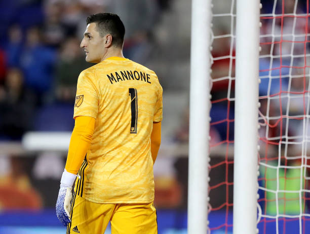 HARRISON, NEW JERSEY - APRIL 06: Vito Mannone #1 of Minnesota United gets in position during the second half against the New York Red Bulls at Red Bull Arena on April 06, 2019 in Harrison, New Jersey.The Minnesota United defeated the New York Red Bulls 2-1. (Photo by Elsa/Getty Images)