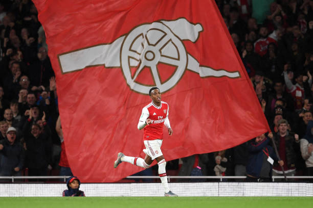 LONDON, ENGLAND - SEPTEMBER 24: Joe Willock of Arsenal celebrates scoring a goal game during the Carabao Cup Third Round match between Arsenal FC and Nottingham Forrest at Emirates Stadium on September 24, 2019 in London, England. (Photo by Laurence Griffiths/Getty Images)