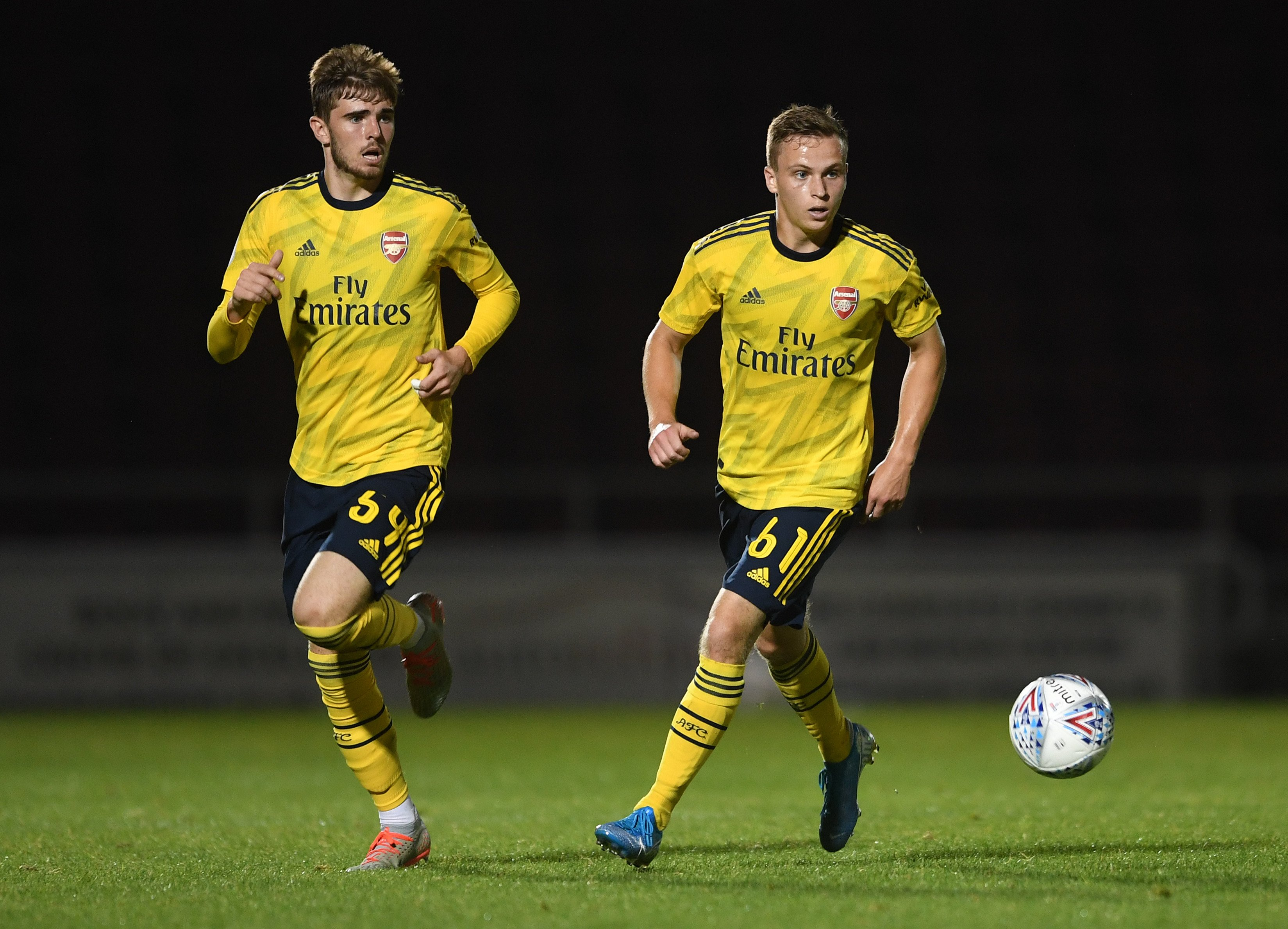 Zak Swanson and Nathan Tormey with the Arsenal u21s against Peterborough United (Photo via Twitter / ArsenalAcademy)