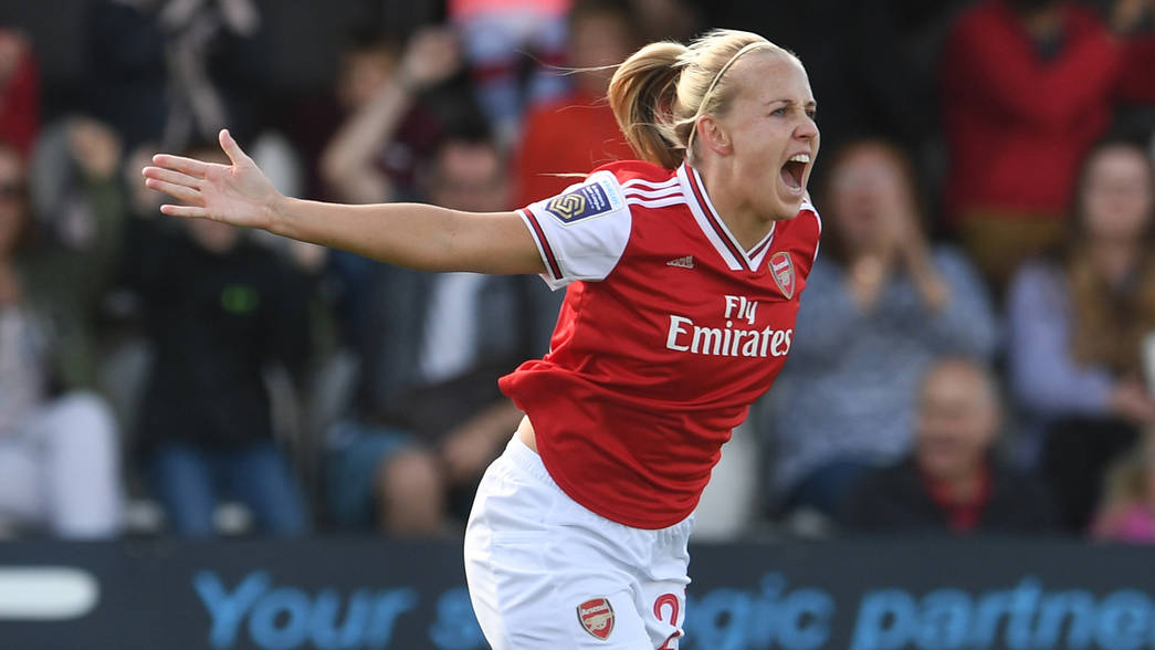 BOREHAMWOOD, ENGLAND - SEPTEMBER 08: Beth Mead celebrates scoring Arsenal's 1st goal during the WSL match between Arsenal Women and West Ham United Women at Meadow Park on September 08, 2019 in Borehamwood, England. (Photo by David Price/Arsenal FC via Getty Images)