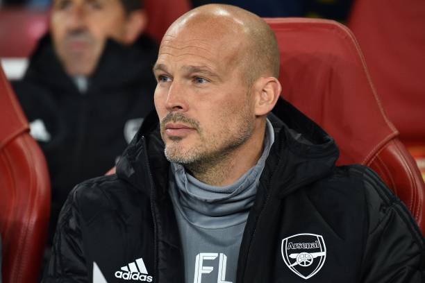 Arsenal first team assistant coach, Swedish former player Freddie Ljungberg look son during the UEFA Europa League Group F football match between Arsenal and Standard Liege at the Arsenal Stadium in London on October 3, 2019. (Photo by Glyn KIRK / AFP) (Photo by GLYN KIRK/AFP via Getty Images)