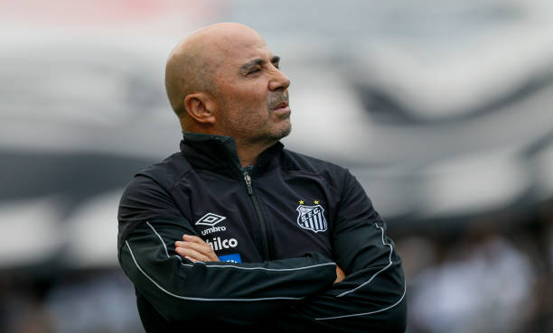 SAO PAULO, BRAZIL - OCTOBER 26: Santos team coach Jorge Sampaoli looks on during a match between Corinthians and Santos for the Brasileirao Series A 2019 at Arena Corinthians on October 26, 2019 in Sao Paulo, Brazil. (Photo by Miguel Schincariol/Getty Images)