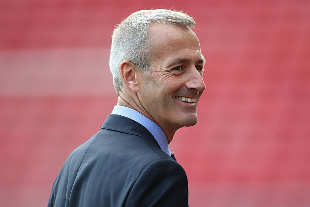 SUNDERLAND, ENGLAND - OCTOBER 29: Referee Martin Atkinson is seen prior to the Premier League match between Sunderland and Arsenal at the Stadium of Light on October 29, 2016 in Sunderland, England. (Photo by Ian MacNicol/Getty Images)