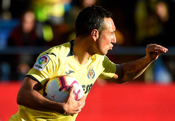 Villarreal's Spanish midfielder Santi Cazorla celebrates a goal during the Spanish league football match between Villarreal CF and Deportivo Alaves at La Ceramica stadium in Vila-real on March 2, 2019. (Photo by JOSE JORDAN / AFP)