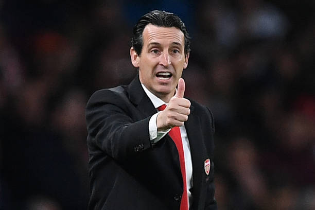 Arsenal's Spanish head coach Unai Emery gestures on the touchline during the English Premier League football match between Arsenal and Crystal Palace at the Emirates Stadium in London on October 27, 2019. (Photo by DANIEL LEAL-OLIVAS / AFP)