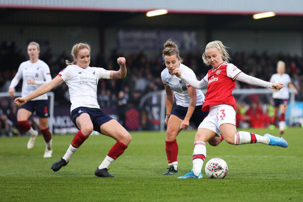 BOREHAMWOOD, ENGLAND - NOVEMBER 24: Beth Mead of Arsenal shoots and misses during the Barclays FA Women's Super League match between Arsenal and Liverpool at Meadow Park on November 24, 2019 in Borehamwood, United Kingdom. (Photo by Kate McShane/Getty Images)