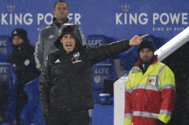 Arsenal's Spanish head coach Unai Emery gestures on the touchline during the English Premier League football match between Leicester City and Arsenal at King Power Stadium in Leicester, central England on November 9, 2019. (Photo by Oli SCARFF / AFP)