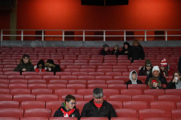 Arsenal supporters wait for the start of the UEFA Europa league Group F football match between Arsenal and Eintracht Frankfurt at the Emirates stadium in London on November 28, 2019. (Photo by DANIEL LEAL-OLIVAS / AFP) (Photo by DANIEL LEAL-OLIVAS/AFP via Getty Images)