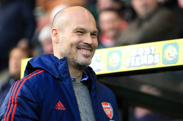 NORWICH, ENGLAND - DECEMBER 01: Interim Manager of Arsenal, Freddie Ljungberg looks on during the Premier League match between Norwich City and Arsenal FC at Carrow Road on December 01, 2019 in Norwich, United Kingdom. (Photo by Stephen Pond/Getty Images)