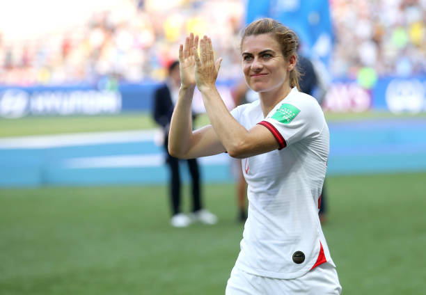NICE, FRANCE - JULY 06: Karen Carney of England applauds fans after the 2019 FIFA Women's World Cup France 3rd Place Match match between England and Sweden at Stade de Nice on July 06, 2019 in Nice, France. (Photo by Alex Grimm/Getty Images)